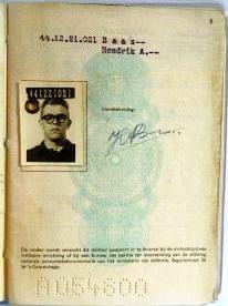 Militair paspoort, pagina 1